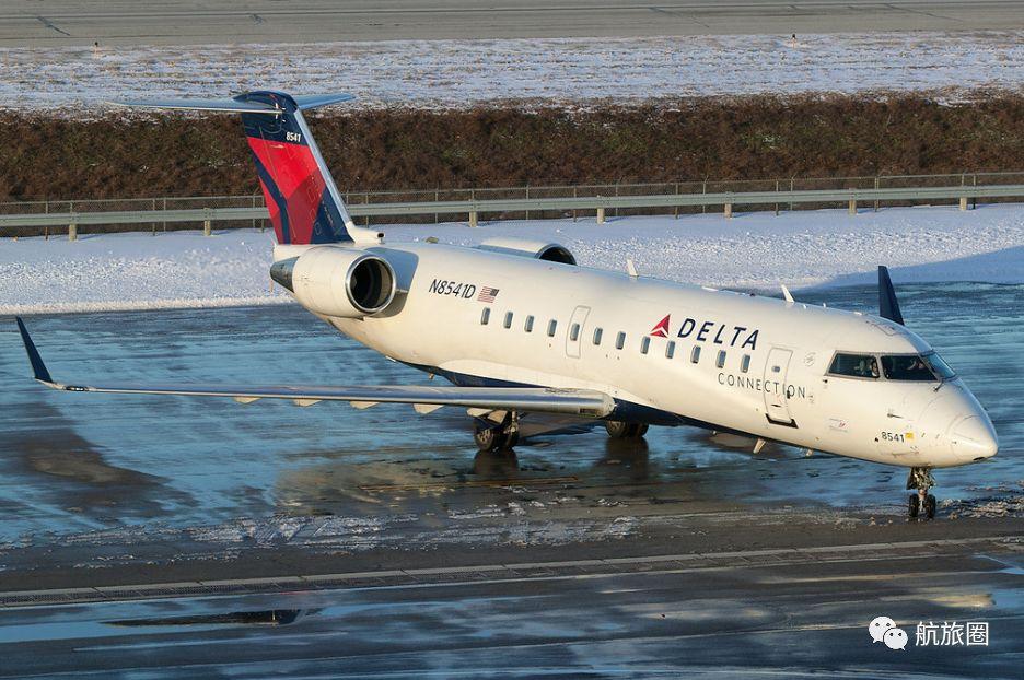 达美连接的CRJ-200,奋进航空的logo藏在机头