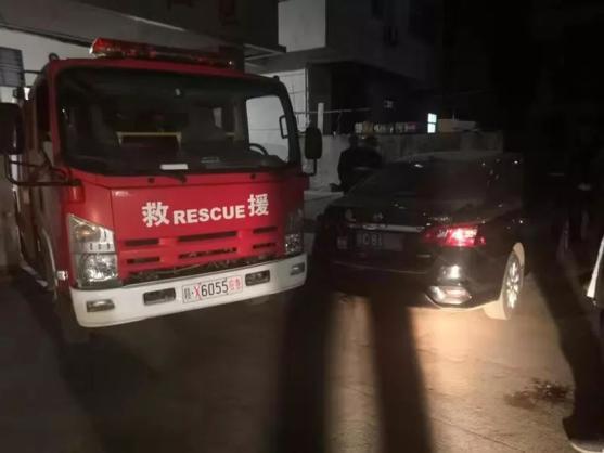 消防车救火私家车挡路,车主30多分钟后才挪车被拘留5日