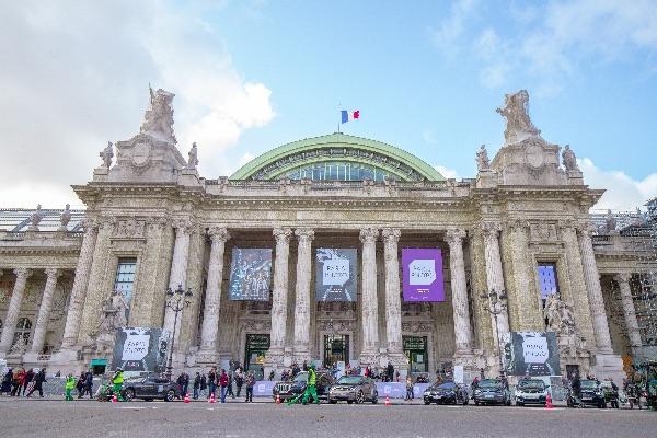 法国大皇宫开启手机影像展