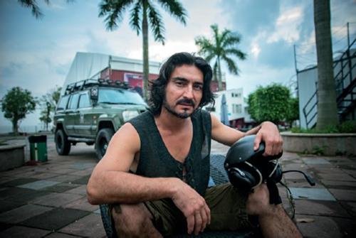 新疆人_他从新疆来:一个维吾尔族摄影师,拍了100位新疆人