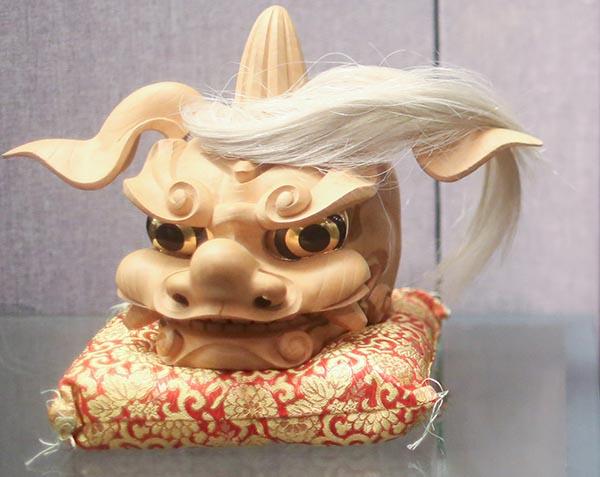 送毛泽东同志的木雕狮子头