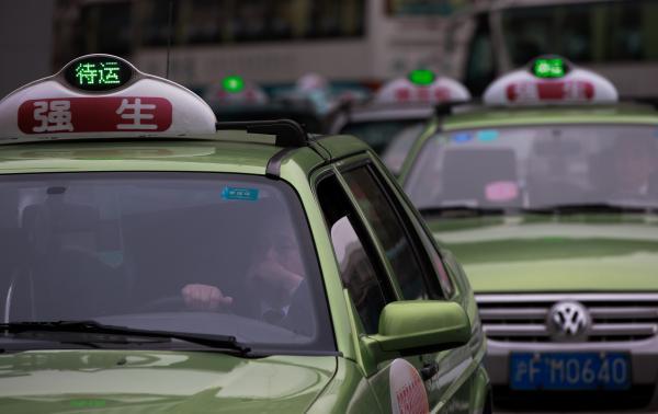 告别桑塔纳 上海将有两大出租车主力车型 途安和朗逸 高清图片
