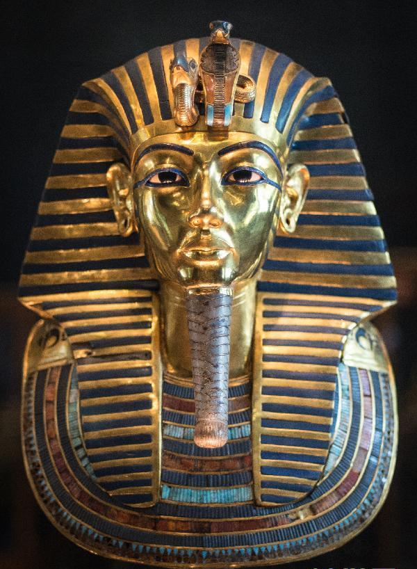 1月23日在埃及博物馆展出的图坦卡蒙黄金面具.新华社 图-法老图坦卡图片