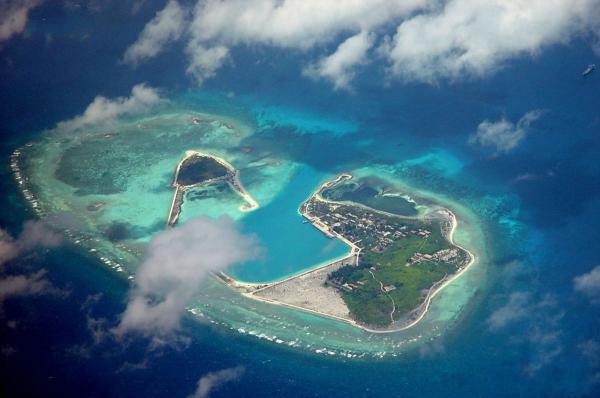 """外交部驳斥""""南海岛礁建设是重划边界"""":偷换概念"""