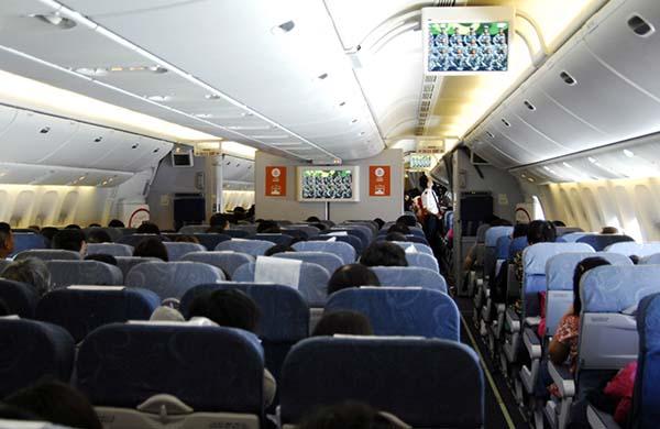 坐飞机也能看阅兵式,中国民航首次实现电视空中直播