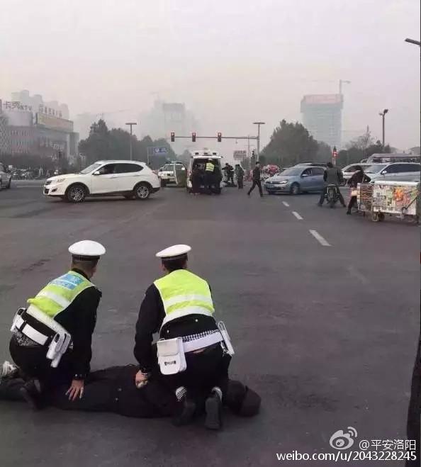 河南安阳袭警_河南洛阳暴力袭警案续:又一名执勤人员因伤离世,嫌犯被刑拘
