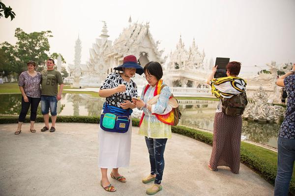 东南亚多国放宽签证抢中国游客:两人赴马可免_海南自由行