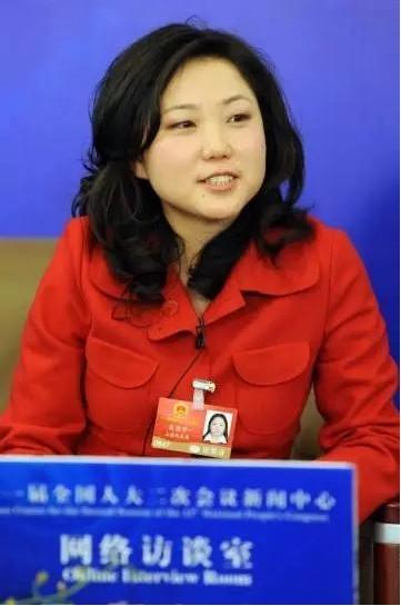 选上海总工会招聘信息网酒吧模特招聘18岁打工妹闯荡上海滩21年后外