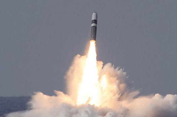 """美国三叉戟II潜射导弹第160次试射,首次用3D打印零件"""""""