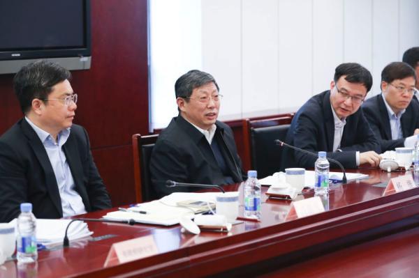 统筹谋划上海产业结构调整大战略