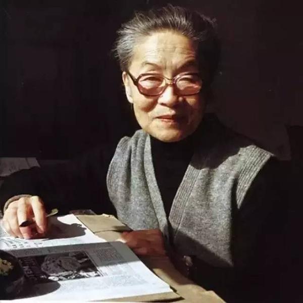 95后眼中的杨绛:我们仰慕她,是因为我们在远离她
