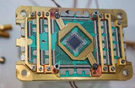 使用量子处理器的计算机能预测化学反应结果。《自然》网站 图
