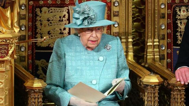 """当地光阴19日,英国女王伊丽莎白二世颁发""""御座致辞""""。"""