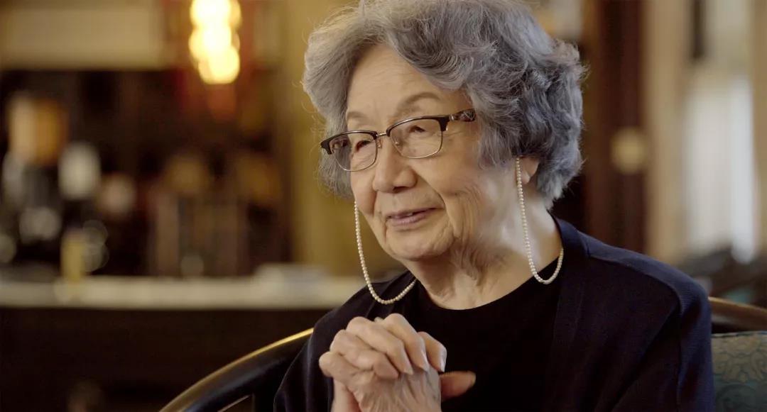 叶嘉莹,1924年出生,号迦陵,中国古典文学研究专家。文学纪录片《掬水月在手》主人公。
