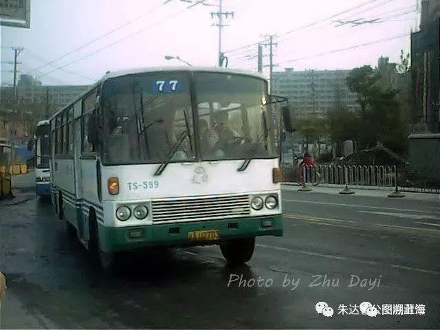 上海故事:沟通市区人工大岛的桥梁,公交77路微历史