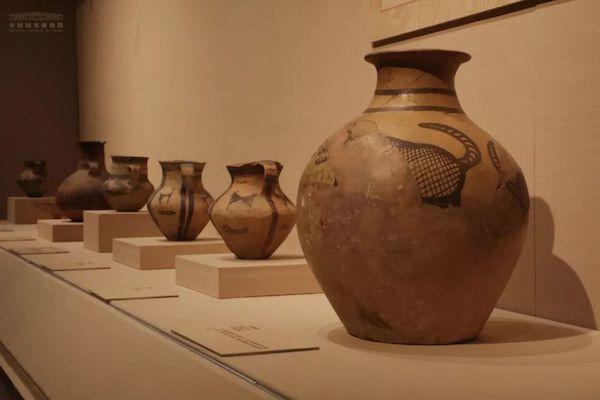 5500年前的甘肃史前彩陶艺术,仰韶鱼纹盆等在国