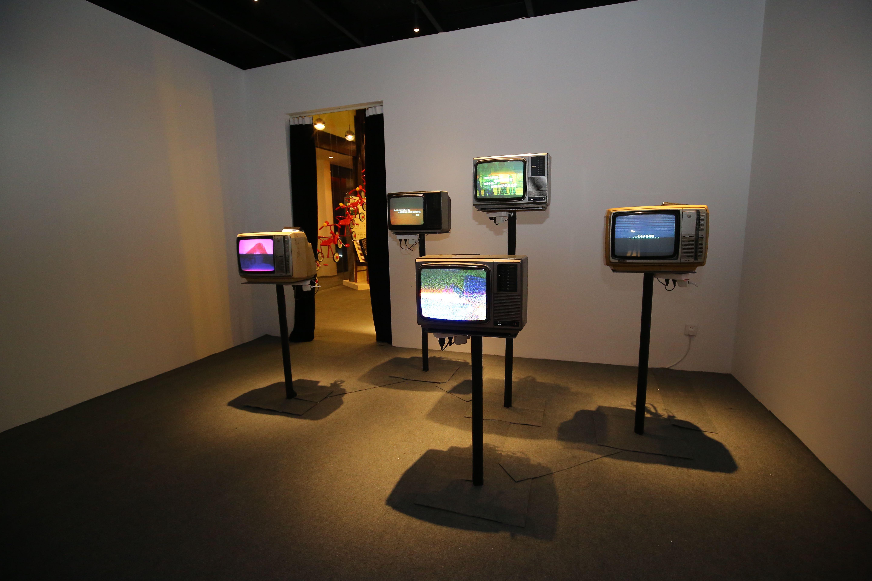 """""""80年代艺术生活""""展区里的电视机 国际80年代博物馆官方图"""