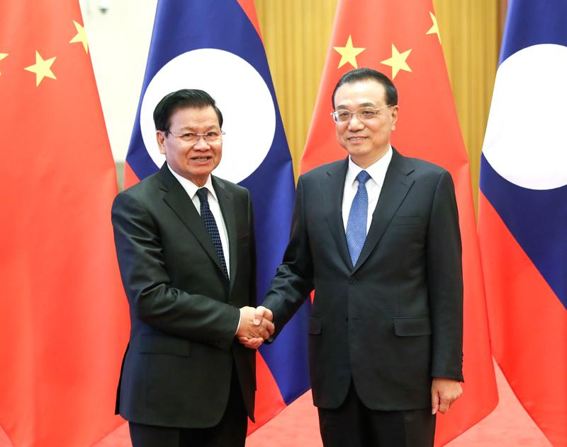 李克强举行仪式欢迎老挝总理通伦访华