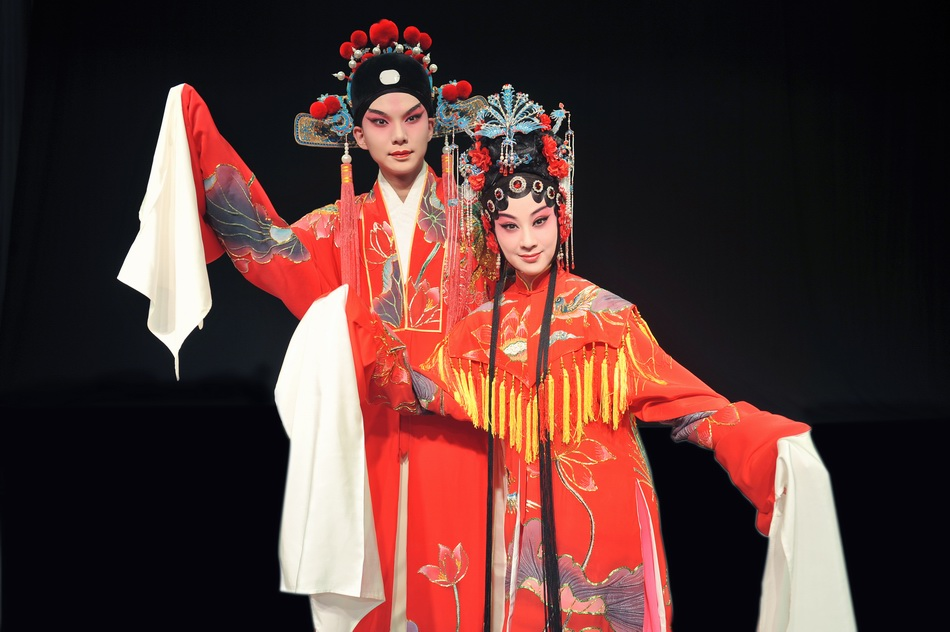 《南柯梦记》瑶芳公主:罗晨雪 饰;淳于棼: 卫立 饰。