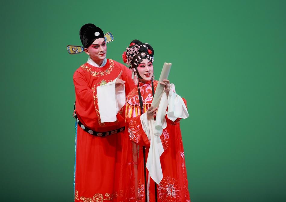 《紫钗记》李益:黎安 饰; 霍小玉:沈昳丽 饰。