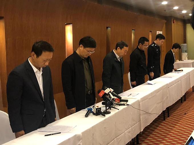 会上,全体人员为3名遇难者默哀 本文图片均由澎湃新闻记者 贺元韬 图