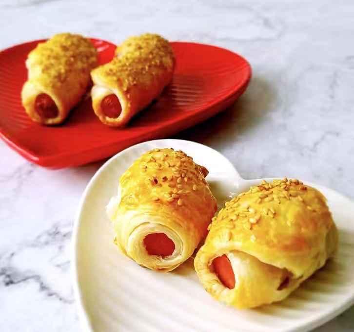 上海飞达咖啡馆已无踪影,张爱玲童年记忆里的香肠卷是否长这模样?