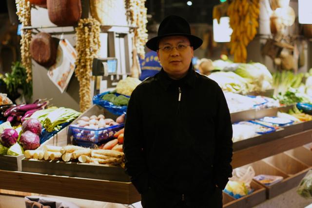 庞喜在双塔市集