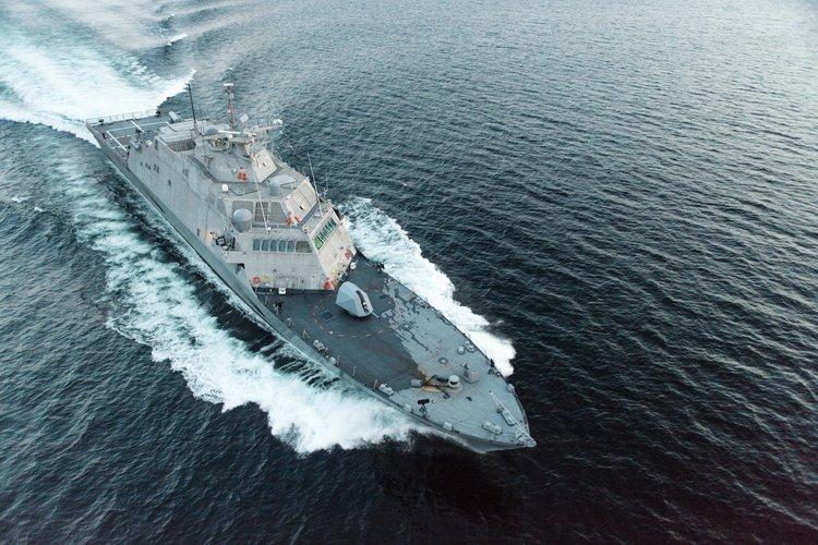 """""""自由""""级濒海战斗舰""""小石城""""号(LCS-9)。"""