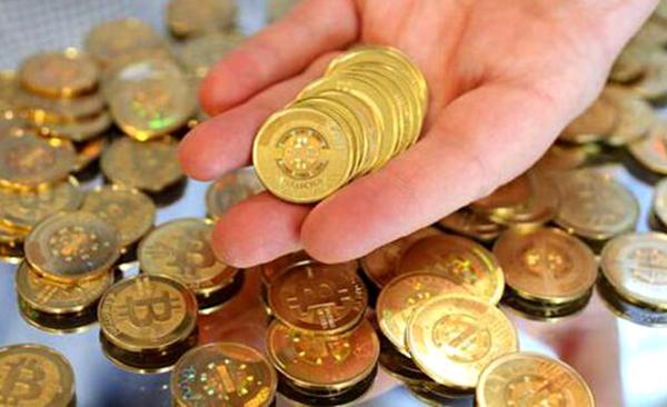 以比特币为代表的虚拟货币存在投机性太重的问题。