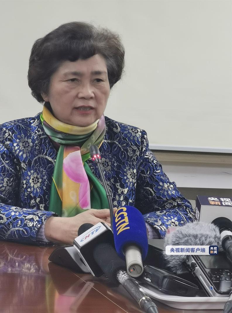 中国工程院院士、感染病学家李兰娟