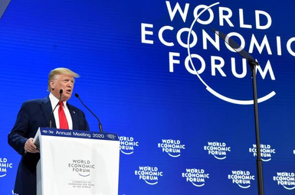 川普达沃斯致辞:大谈经济为选战造势,与通贝里隔空辩论