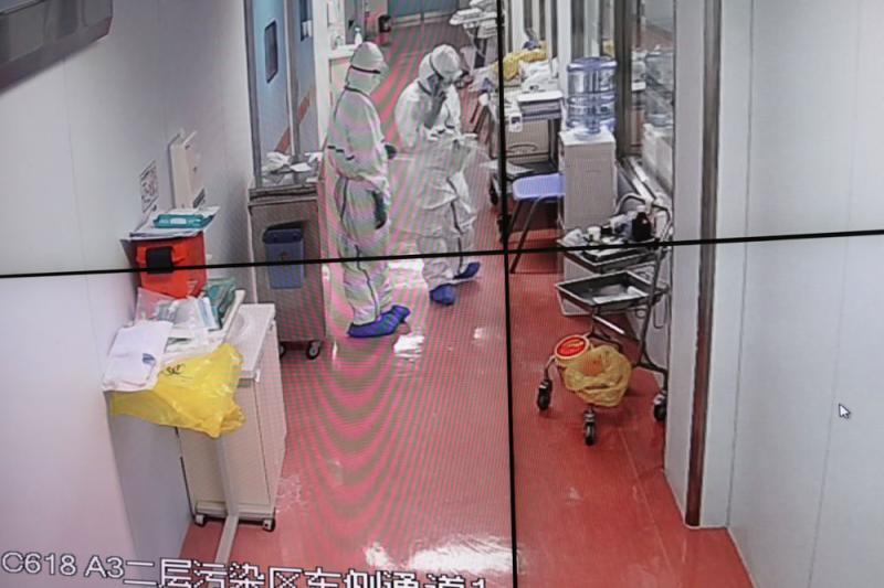 """新型冠状病毒肺炎在沪确诊患者:""""万万没想到会是我"""""""