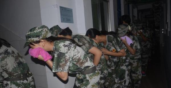 军媒关注学生军训改革:军训不是供学生张扬个性的娱乐秀场,h漫八神浩树