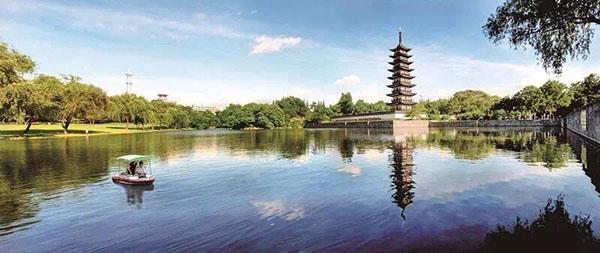 松江方塔园是松江古城中一座以观赏历史文物为主体