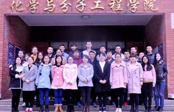 """郑州大学""""学霸班""""炼成记:每人都配励志导师"""