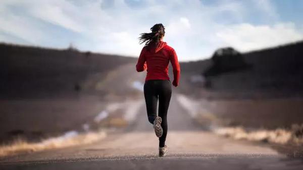 """健身减肥,你以为跑得越快越健康?想减肥就玩玩""""超慢跑"""""""