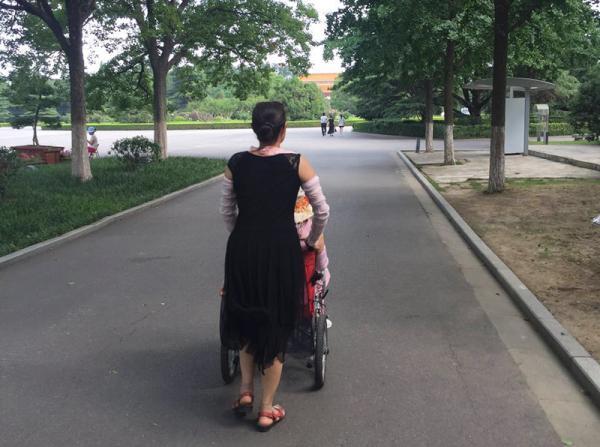 """""""中國整容狂人""""雙面人生:受害者也是生意人"""