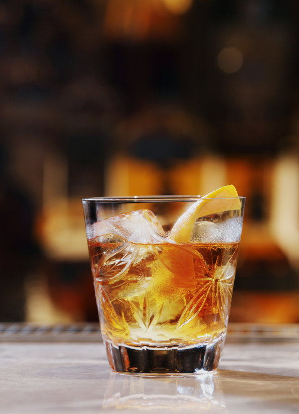 酒吧鸡尾酒多少钱_去酒吧喝了杯鸡尾酒,喝了不知道叫什么名字,求-我喝过一种 ...