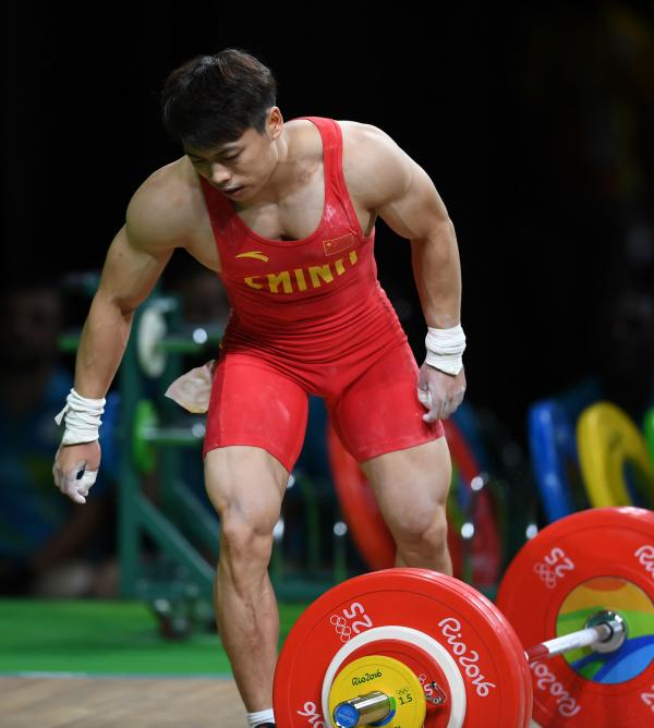 v体重最稳夺金者a体重抽筋退赛,因赛前减体重过猛所致?台球桌之间的距离图片