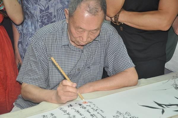 """急速赛车中国画界的一次""""湖上雅集"""":在西湖边写意,"""