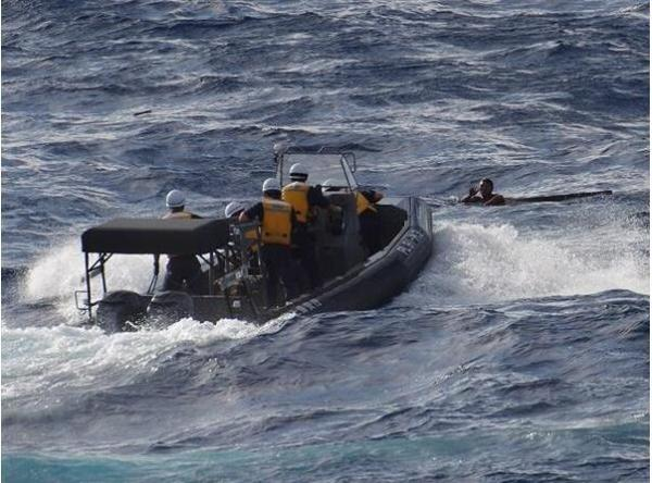 根廷击沉中国渔船_8月11日在东海海域发生的中国渔船和外籍货轮碰撞事故.