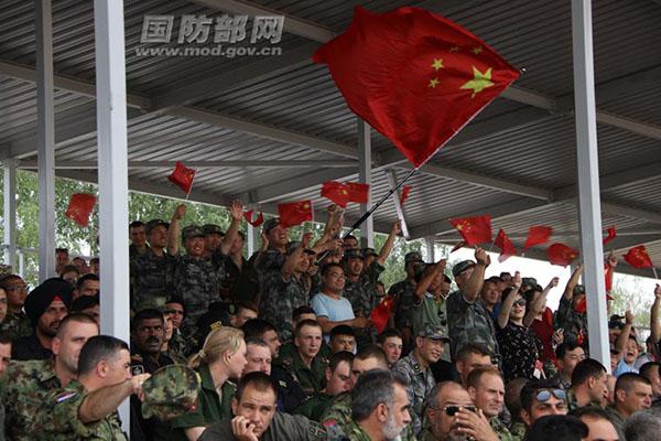 """国际军事比赛 中国""""坦克两项""""代表队在俄首赛告捷"""