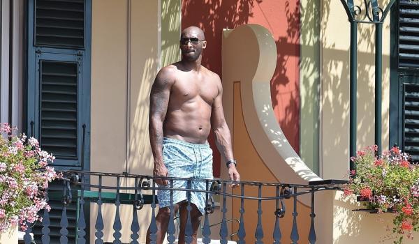 肚腩不忍直视!科比都胖成这样了,他用30天瘦回去可能吗