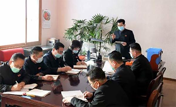 朝鲜红十字会开展新冠疫情防控工作,内阁部长考察防疫指挥部
