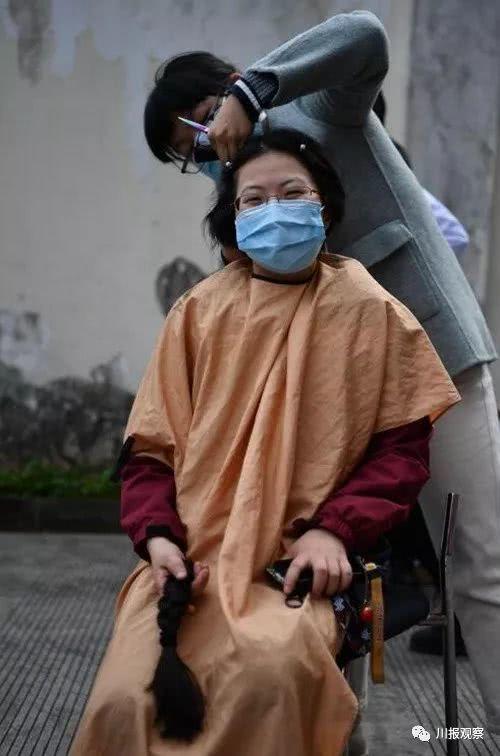 """自带""""人工肺"""",四川省第七、第八批援助湖北"""