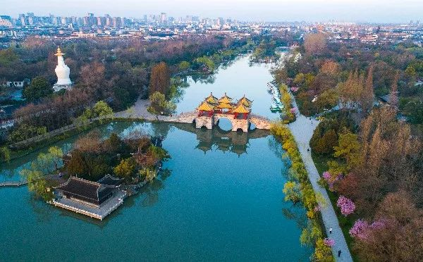 2019年什么政策使中国gdp增长_江苏扬州2019年度GDP超越盐城,增长6.8%
