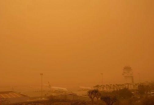 被沙尘暴袭击后机场能见度 BBC 图