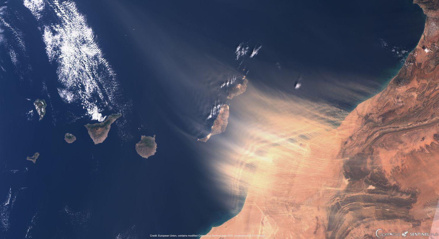 卫星图像捕捉到了上周六大风将沙尘扬起的画面 欧洲空间局 图