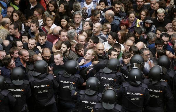 西班牙加泰羅尼亞獨立公投引發沖突,300多人受傷