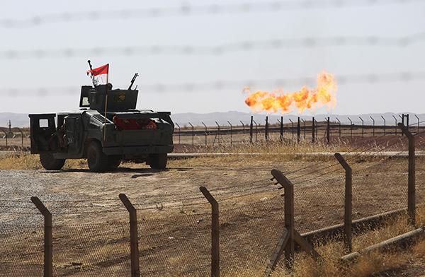 伊拉克政府军控制基尔库克两大油田,进驻北部重镇辛贾尔